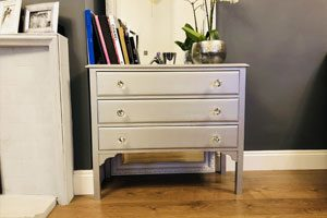 Painting chest drawer